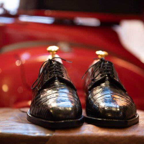 maxegio-scarpe_su_vespa-2-quadrata
